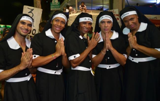 fantasia em grupo freira