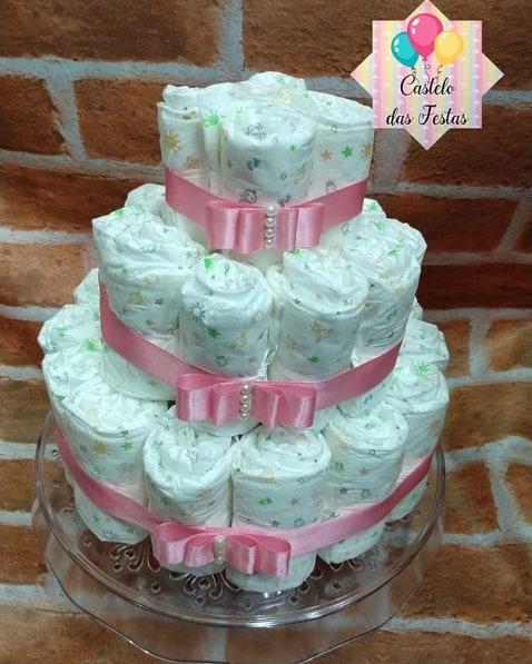 bolo de fraldas simples com 3 andares