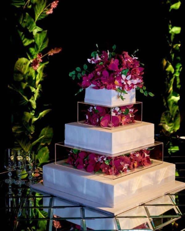 bolo quadrado com flores