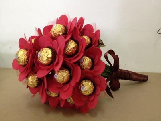 buquê com chocolate Ferrero Rocher