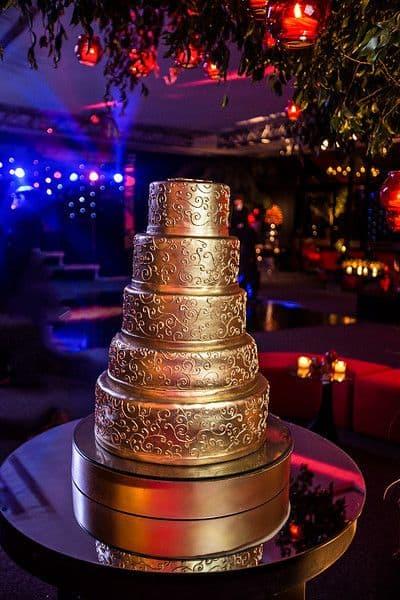 bolo de debutante dourado