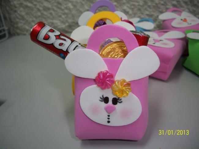 mini sacolinha de EVA com chocolate