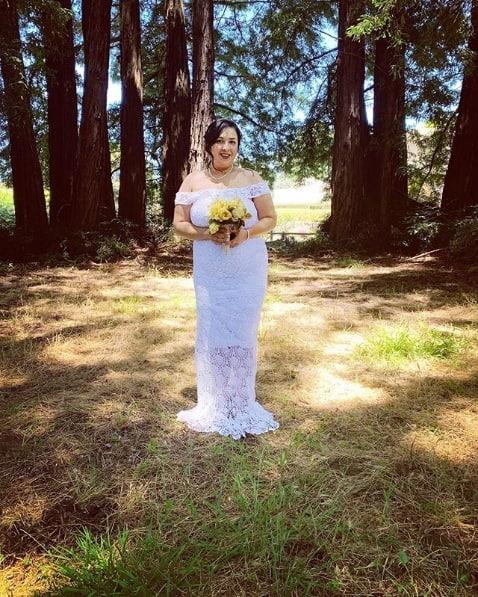 vestido de noiva plus size com decote ombro a ombro