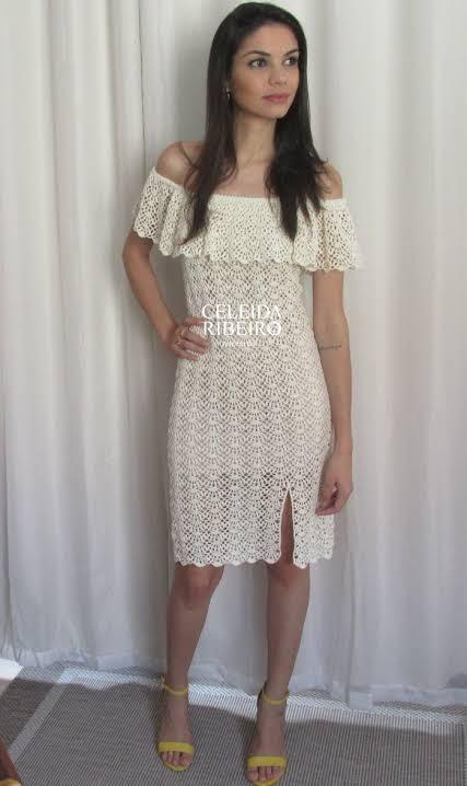 vestido curto de noiva com decote ombro a ombro