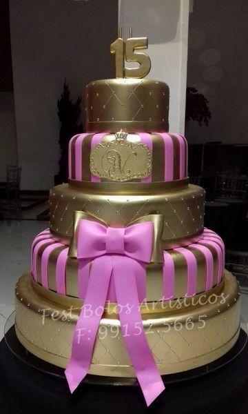 bolo de 15 anos rosa e dourado