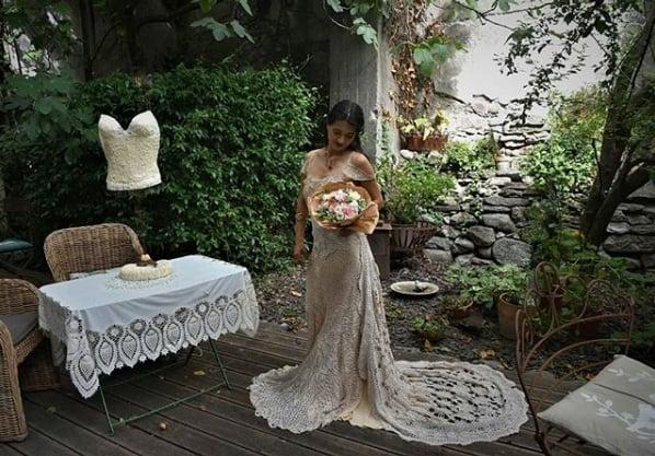 vestido de crochê boho com cauda
