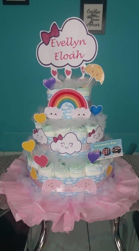 bolo de fralda decorado com nuvenzinha