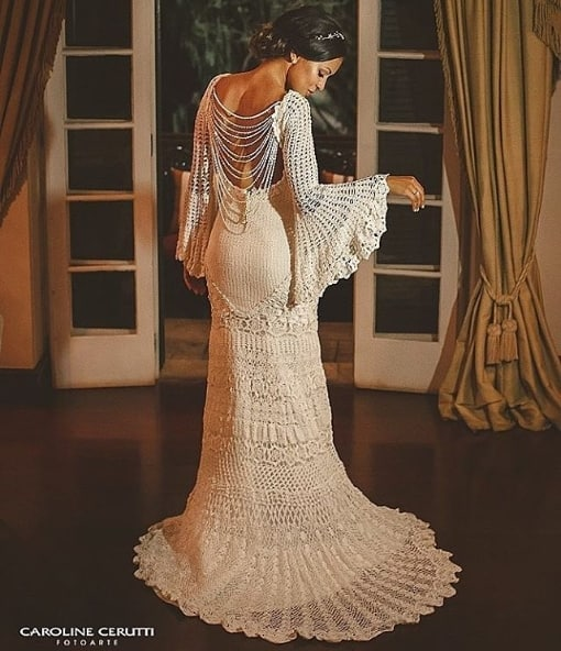 vestido de noiva de crochê com manga flare