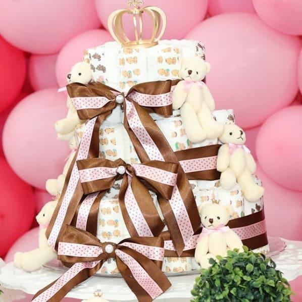 bolo de fraldas de menina decorado com ursinhas