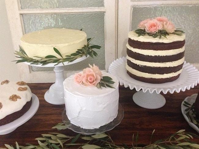 Algumas ideias de bolos para noivado rústicos