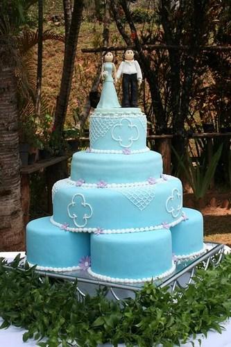 Bolo azul para casamento