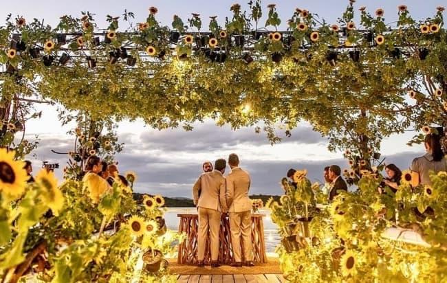 Casamento de Carlinhos Maia foi de tema girassol