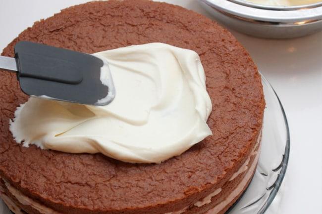 Cobertura para bolo de noivado