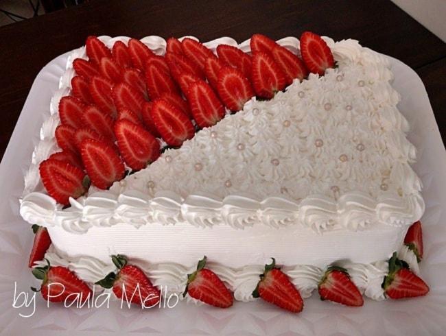 Dica de bolo noivado com morangos