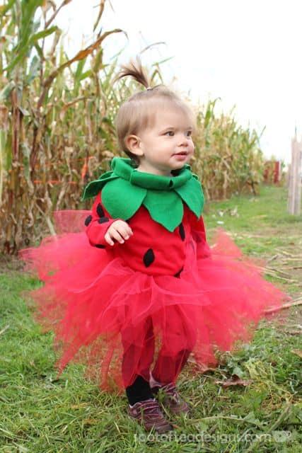 Fantasia de Carnaval para bebê menina de Moranguinho40