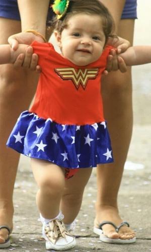 Fantasia de Carnaval para bebê menina de Mulher Maravilha com saia 50