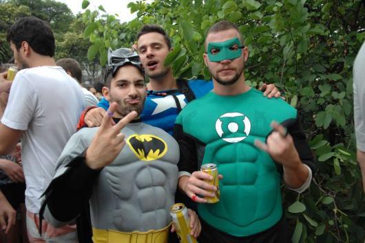 Fantasias de Carnaval masculinas de super heróis27