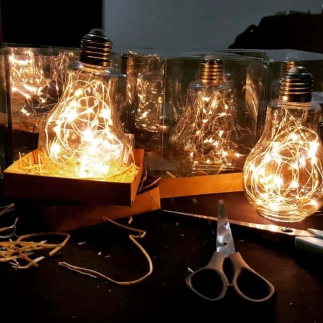 Lembrancinhas criativas lâmpadas