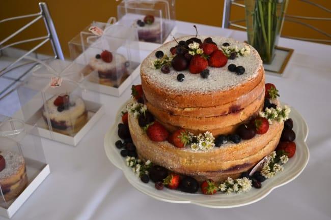 Naked cake para noivado rústico