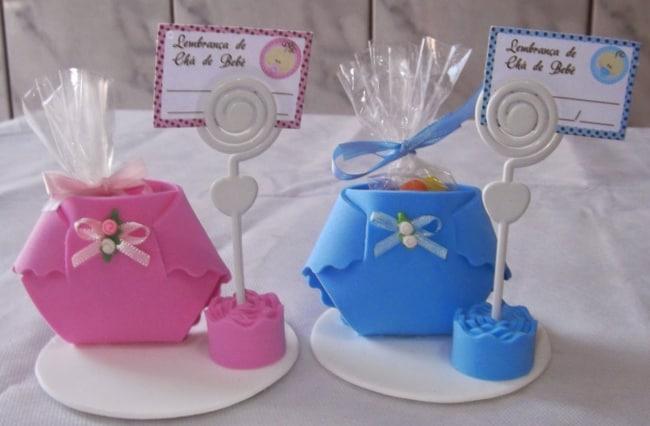 lembrancinha de fralda para chá de bebê gêmeos