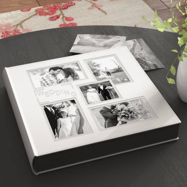 Álbum de casamento branco com fotos na capa30