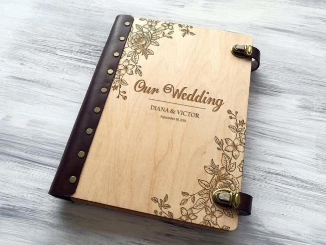 Álbum de casamento com capa de madeira10