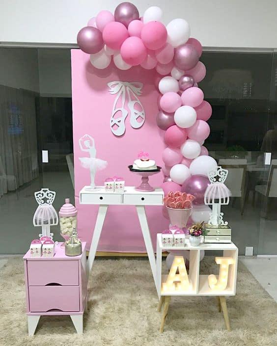 decoração simples para chá de bebê com tema de bailarina