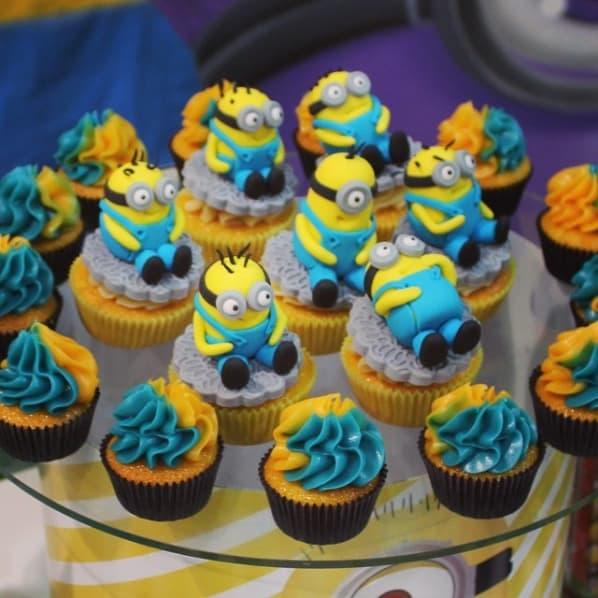 cupcakes decorados para festa Minions