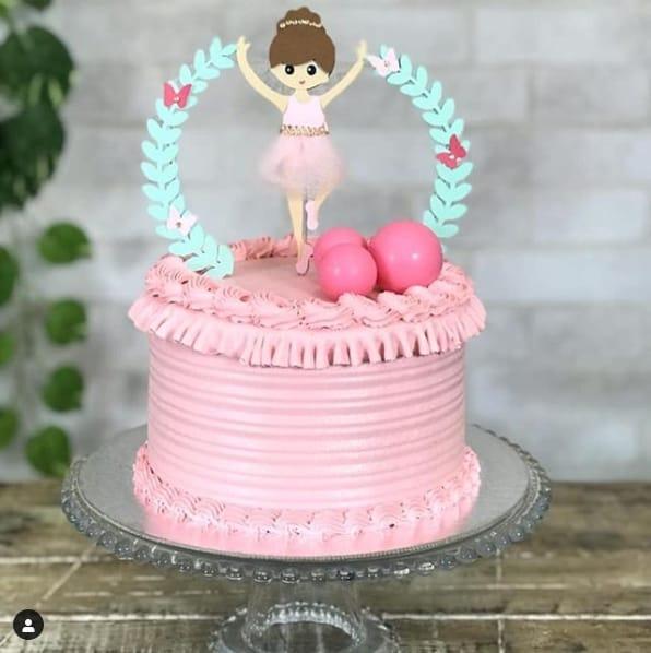 bolo bailarina em chantilly rosa