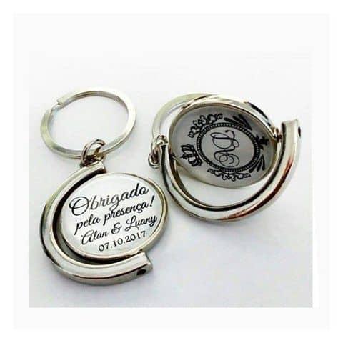 chaveiro personalizado para lembrancinha de casamento