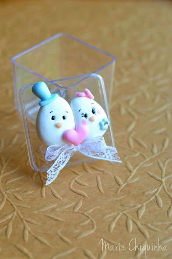caixinha decorada em biscuit para casamento