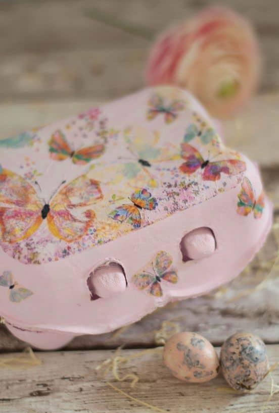 Caixa de ovo decorada para a Páscoa