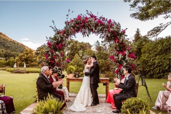 Cerimônia de casamento durante o dia