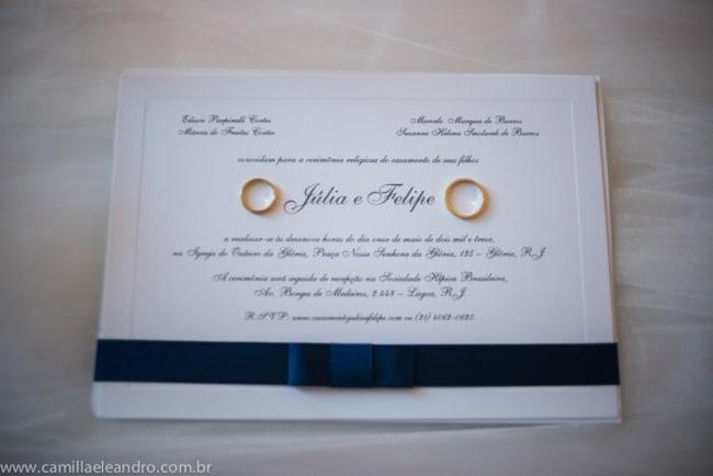 Convite de casamento em papel Rives Linear com fita de cetim preta9