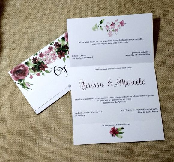 Convite de casamento em papel liso com estamp0a de flores18