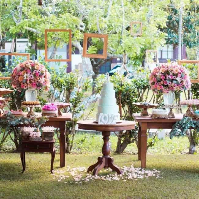 Decoração rústica de casamento diurno