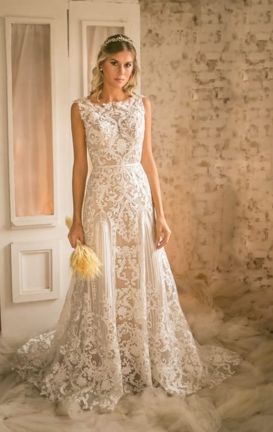 Noiva baxinha com vestido evasê