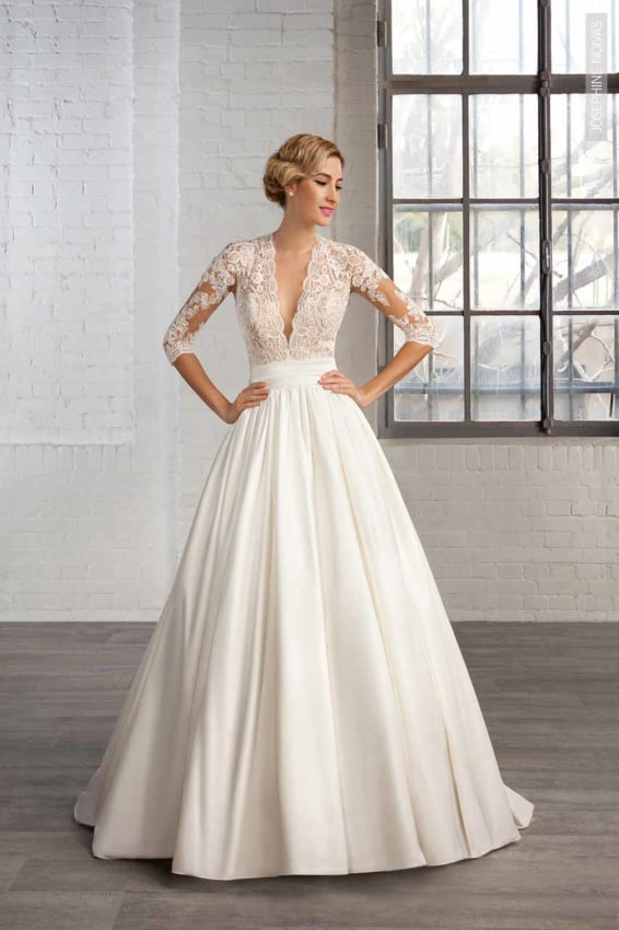 Vestido de noiva com parte de cima rendada