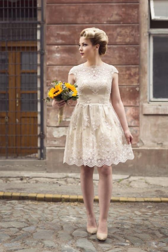 Vestido de noiva curtinho off white