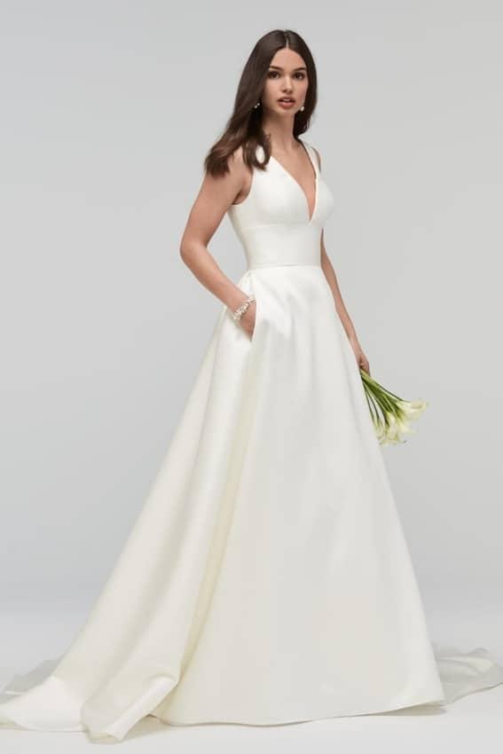 Vestido de noiva em cetim evasê