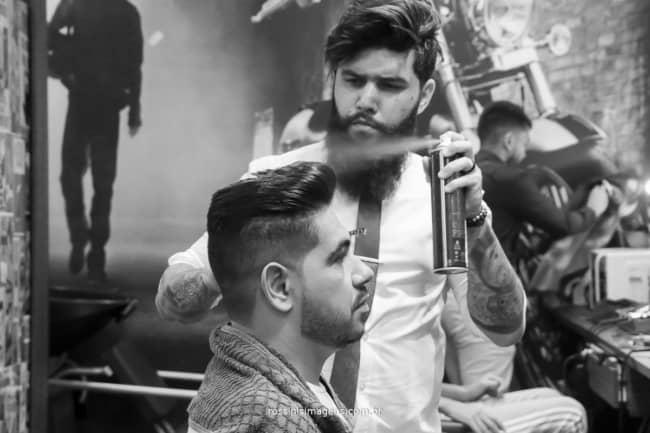 fotos de dia do noivo na barbearia
