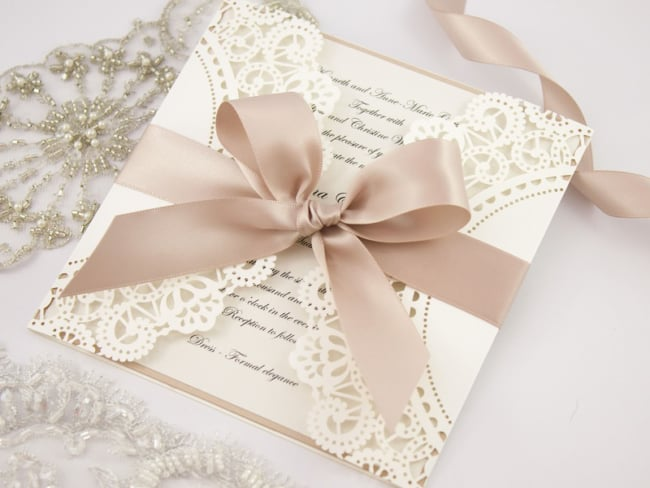 lindo Convite de casamento rendado