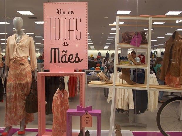 vitrine de loja para dia das mães