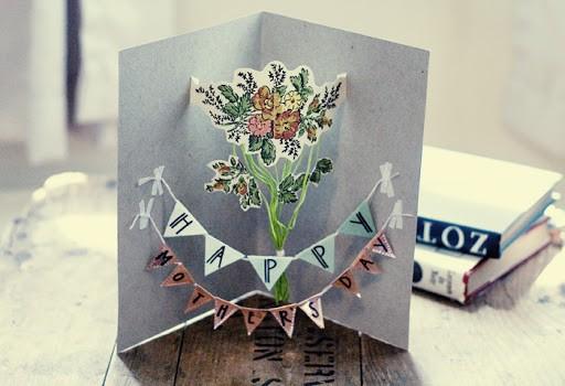 cartão 3D com flores para mãe