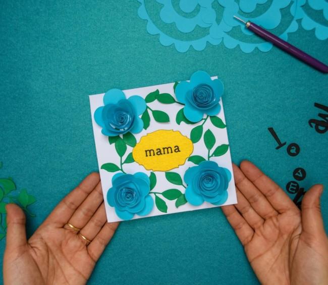 cartão com flores 3D na capa para dia das mães