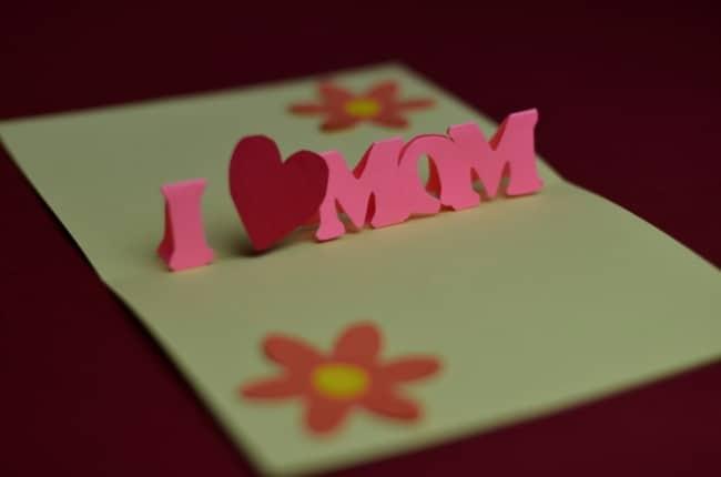 cartão criativo e 3D para mãe