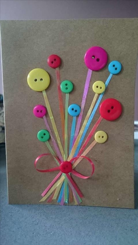 cartão dia das mães decorado com botões