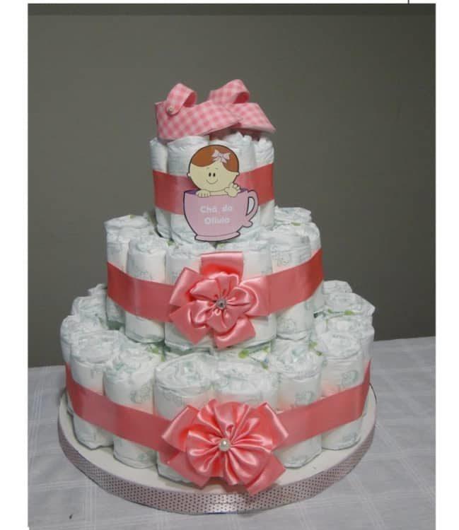 Imprima o nome de sua bebê e personalize o bolo de fraldas!