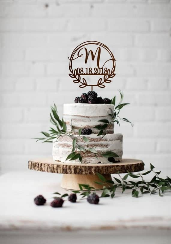 Brasão de casamento no topo do bolo