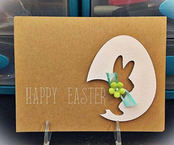 Cartão de páscoa artesanal de ovo com sombra de coelho